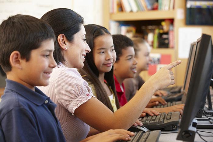 Google Classroom: Virtual classroom or LMS?